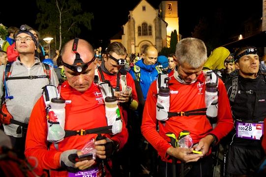 Es gibt Dinge, die vor dem Start eines 288 Kilometer langen Laufes eben noch gesagt werden müssen.